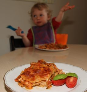 Kyllingelasagne med kokosmælk og grøntsager. Low fodmap lasagne, glutenfri, mælkefri lasagne. Hvordan laver man lasagne uden mælk og gluten.