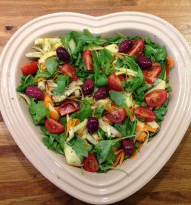 Nem salat med rodfrugter, tomater og oliven, low fodmap