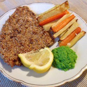 Glutenfri fish and chips - glutenfri fiskefilet med ærteremoulade, ærtedip rodfrugtfritter, rodfrugtpomfritter