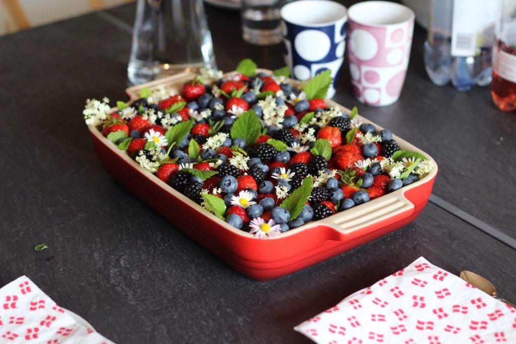 Glutenfri sommerkage, Nem og lækker glutenfri, laktosefri sommerkage med bær