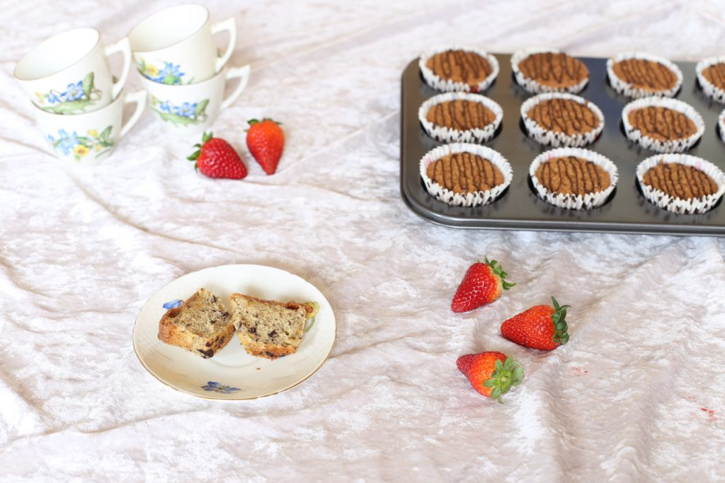 Banankage, bananmuffins, low fomdap, mælkefri, laktosefri, glutenfri, uden gluten, uden mælk, opskrift på gode bananmuffins med chokolade