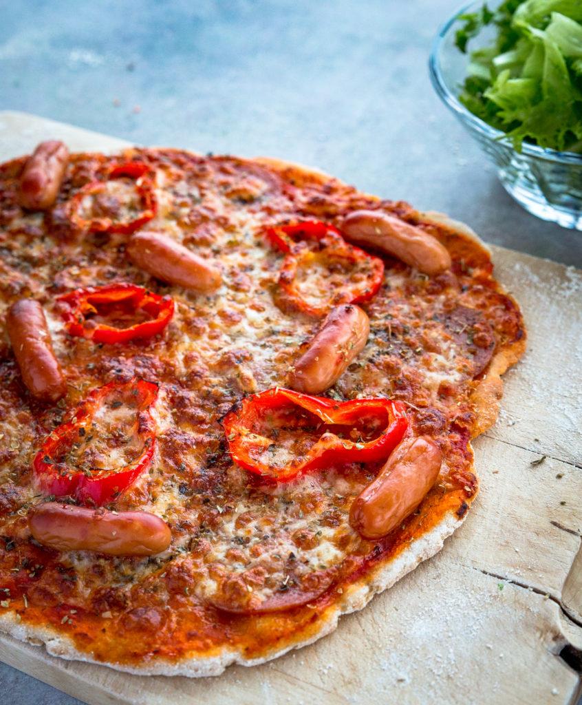 Glutenfri familie - billede af pizza, som hele familien nyder