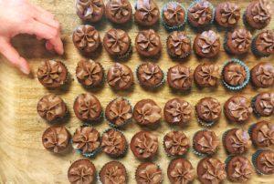 glutenfri cupcakes med kakaofrosting