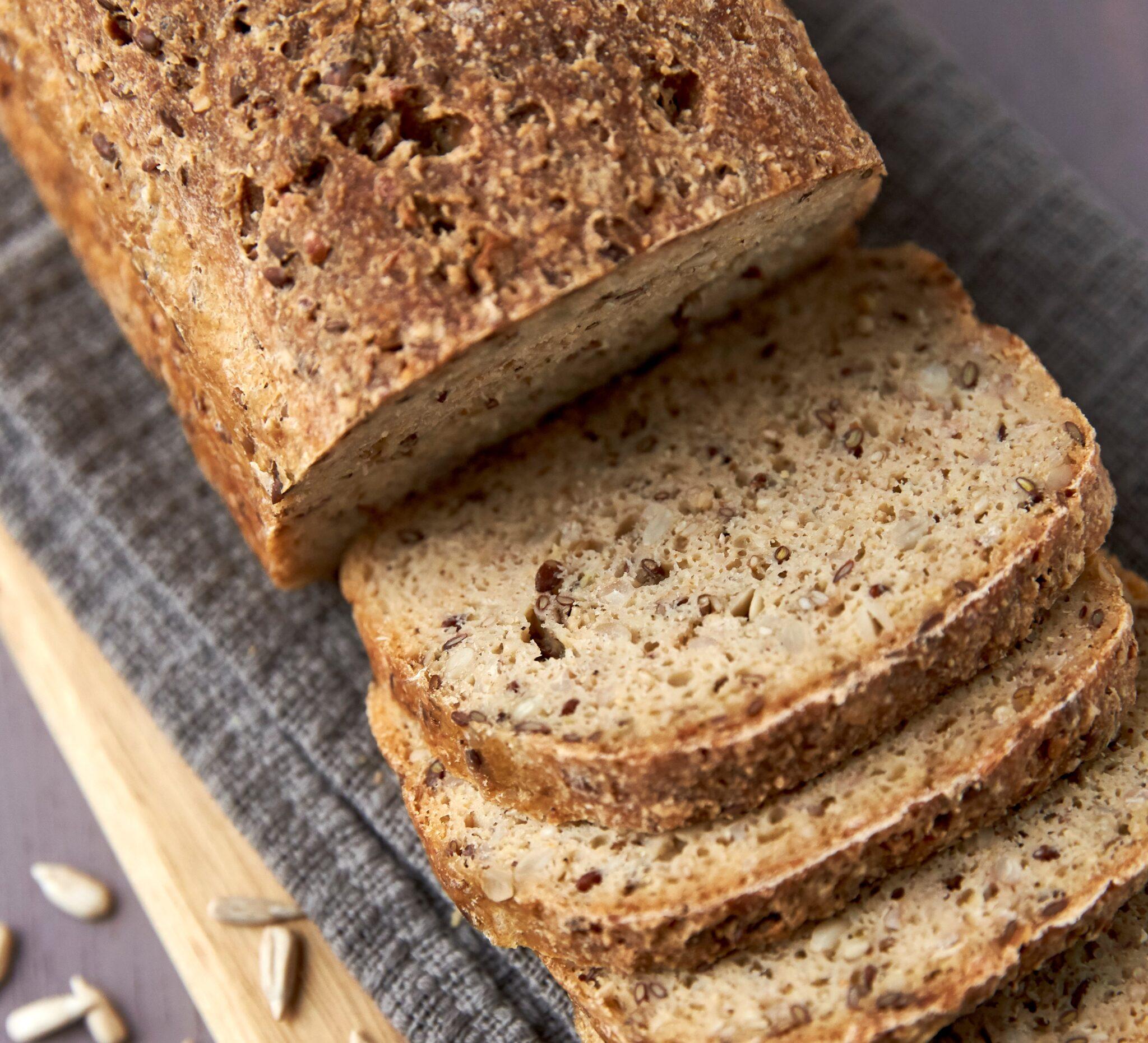 Glutenfrit surdejsbrød fra Knæk Koden til Glutenfrit Brød